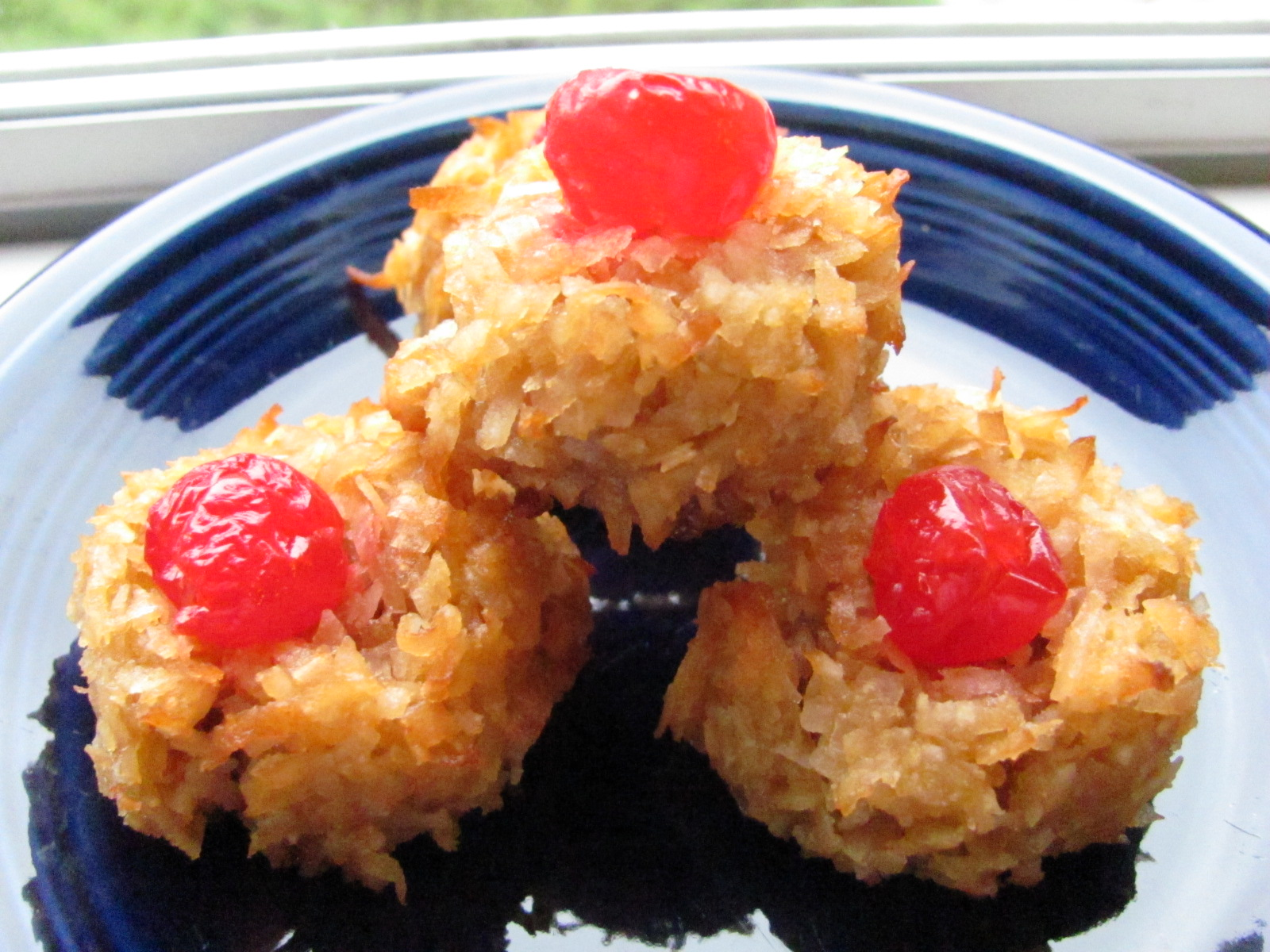 Coconut Macaroons 12 Weeks Of Christmas Cookies Sweets Louanne S Kitchen
